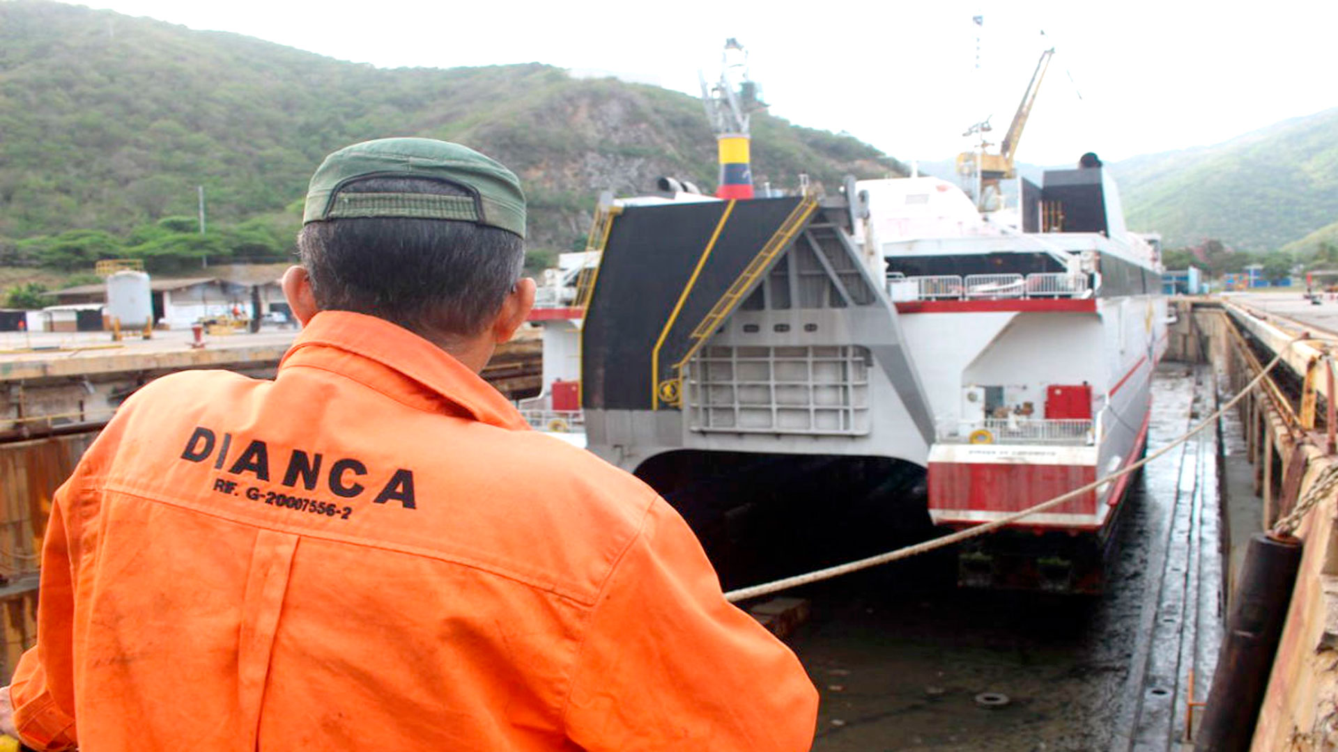 Dianca construye buques de fibra de vidrio con calidad de exportación