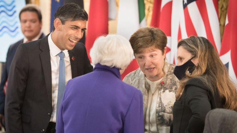 Los ministros de Finanzas del grupo G7 81)
