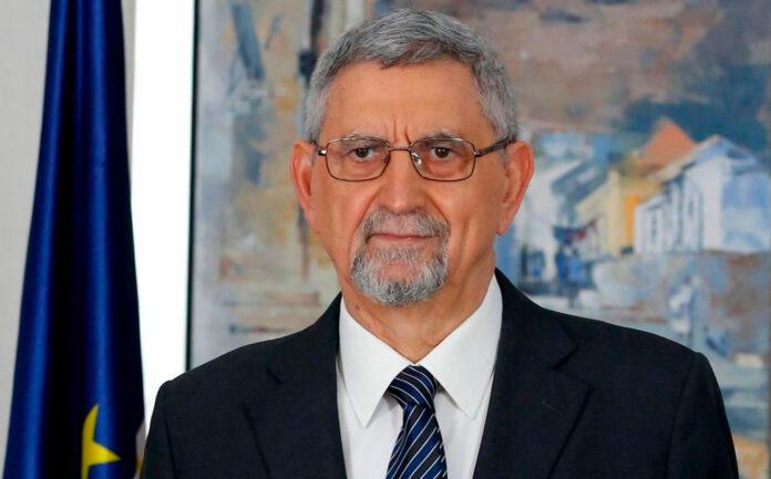 Presidente Fonseca responde a periodistas por irregularidades en